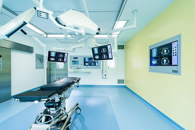 In order to be able to transmit video data both within and beyond the operating room using the same standardized network technology, EIZO has developed its own video-over-IP solution that can be incorporated into the Caliop control software for integrated ORs.